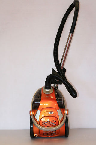 V/C Gravity 2200 Watt Bagless Orange Vacuum Cleaner