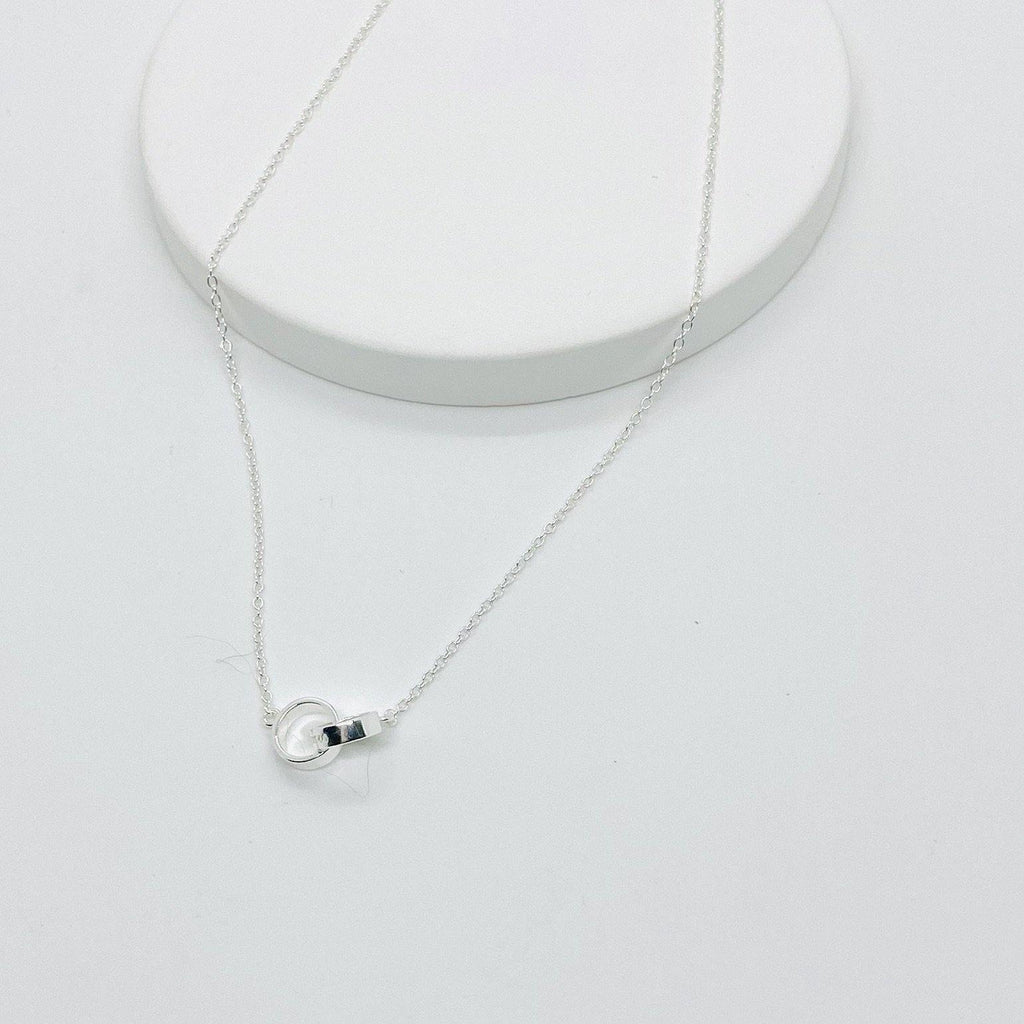 The Thick Interlock Necklace