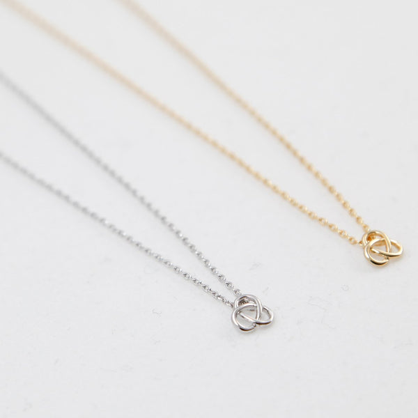 BE JEWELLED TREFOIL KNOT NECKLACE-05