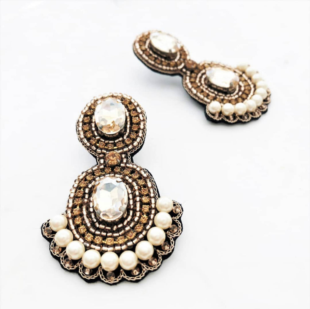 Beaded Pearl Edge Earring