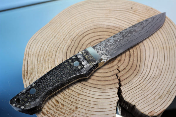 "Mr. Itou  IT-57 Utility Hunter ""5"" R2 Damascus Blade, Armadillo Hide Handle"""
