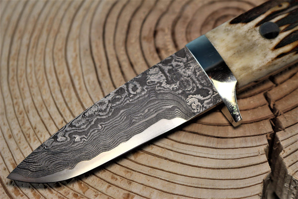 "Mr. Itou  IT-59 Drop Point Hunter, 3-1/8"" blade ""Sambar Stag Handle"""