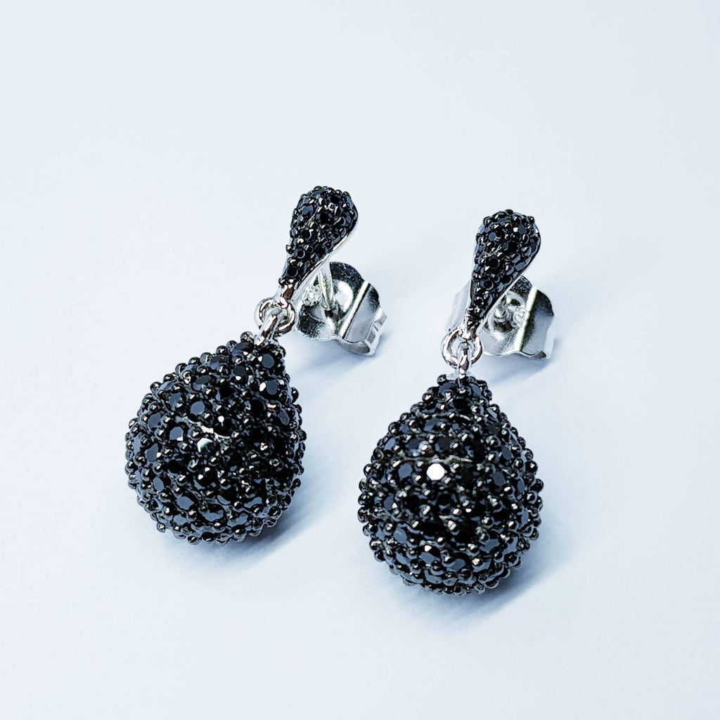 Black drop Earring studs, Teardrop shaped earrings, classic black earrings, vintage black earrings, elegant Gothic jewelry