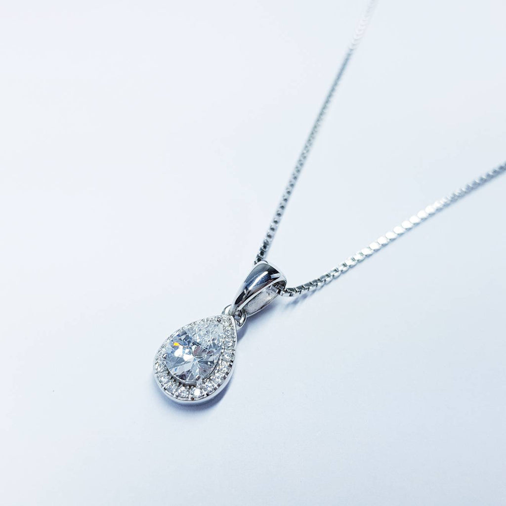 Dainty sterling silver necklace, small white diamond simulant pendant, Vintage necklace, delicate pendant