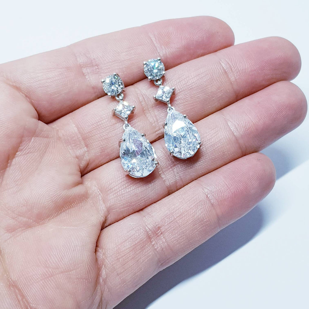 Bridal Diamond Earrings, chandelier Earrings, long teardrop Earrings, drop and dangle Earrings, vintage drop earrings
