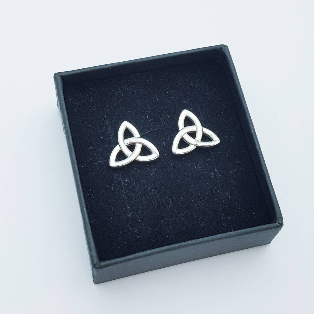 Silver Celtic knot Earrings, Celtic studs, trinity knot stud earrings