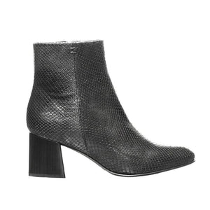 Leather Heeled Boot - Black