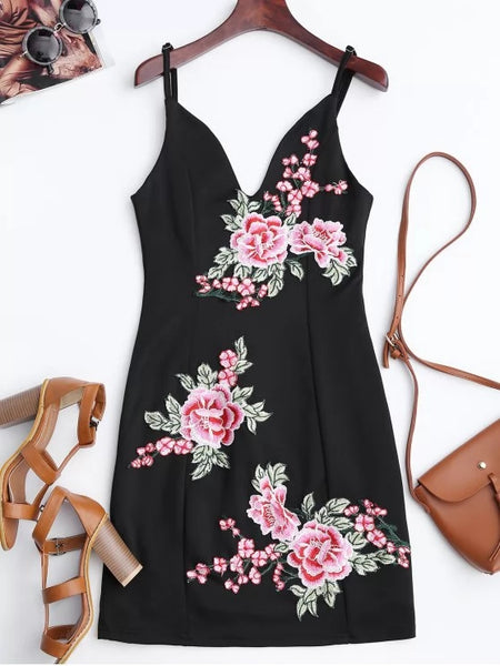 Fashion Floral Embroidered Mini Bodycon Dress