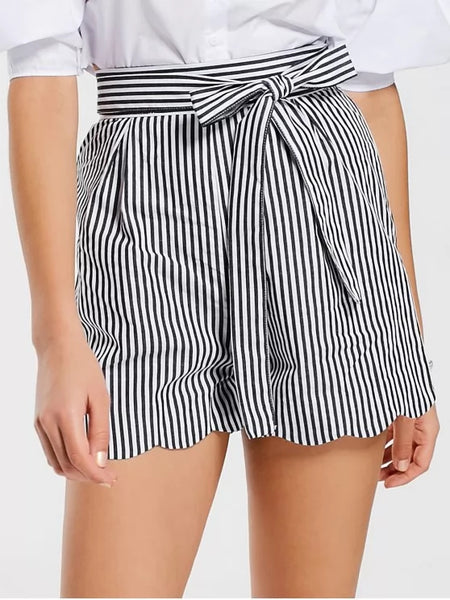 Trendy Belted Scalloped Stripes Shorts
