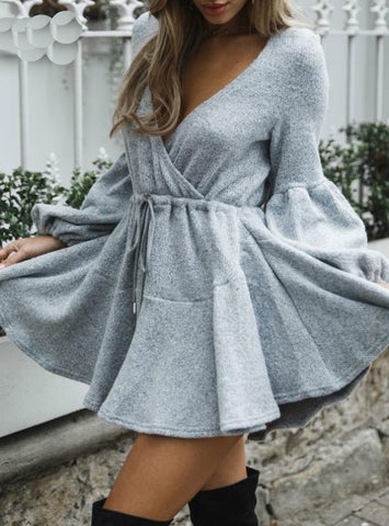 WOMEN V NECK RUFFLE KNITTED SWEATER DRESS