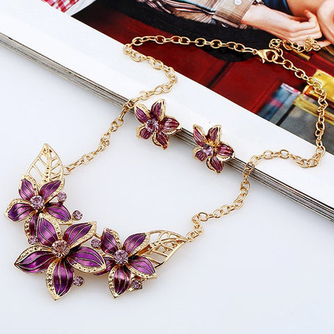 Fathion Flower Rhinestone Necklace and Earrings