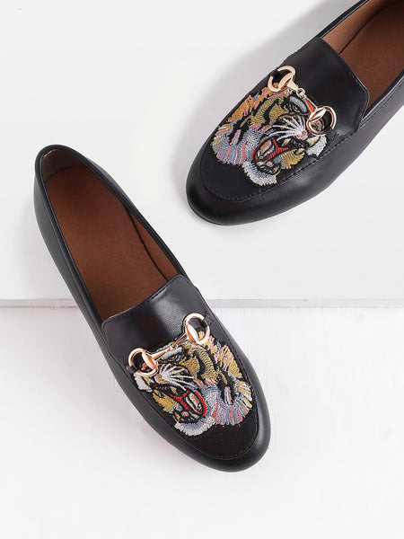 Cheap Tiger Embroidery Metal Detail Loafers