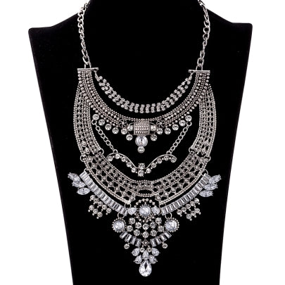 Beatiful Shining Crystal Inlaid Alloy Necklace