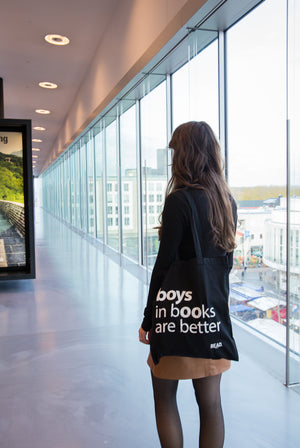 READ Tote Bag zwart - Boys In Books Are Better
