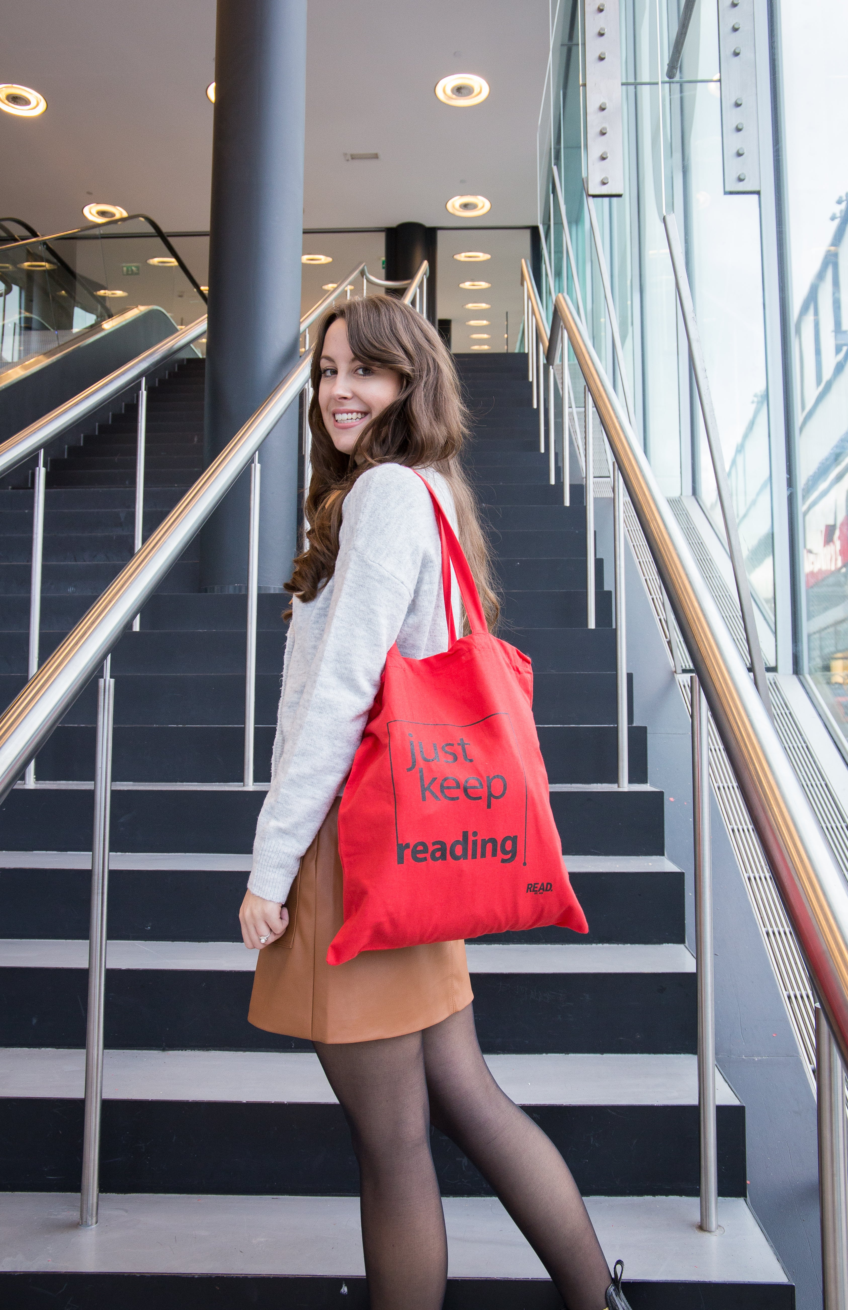 READ Tote Bag rood - Just Keep Reading