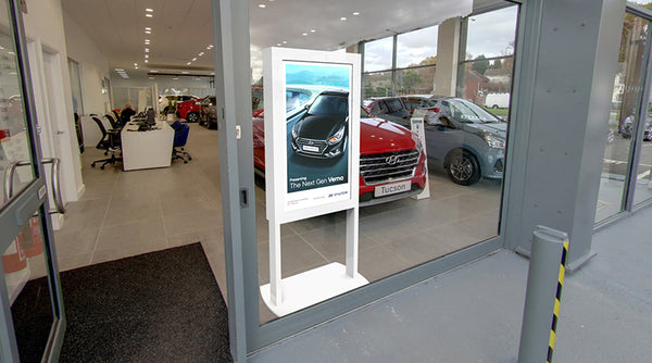 "46"" Freestanding Ultra High Brightness Digital Window Display at Car Showroom"