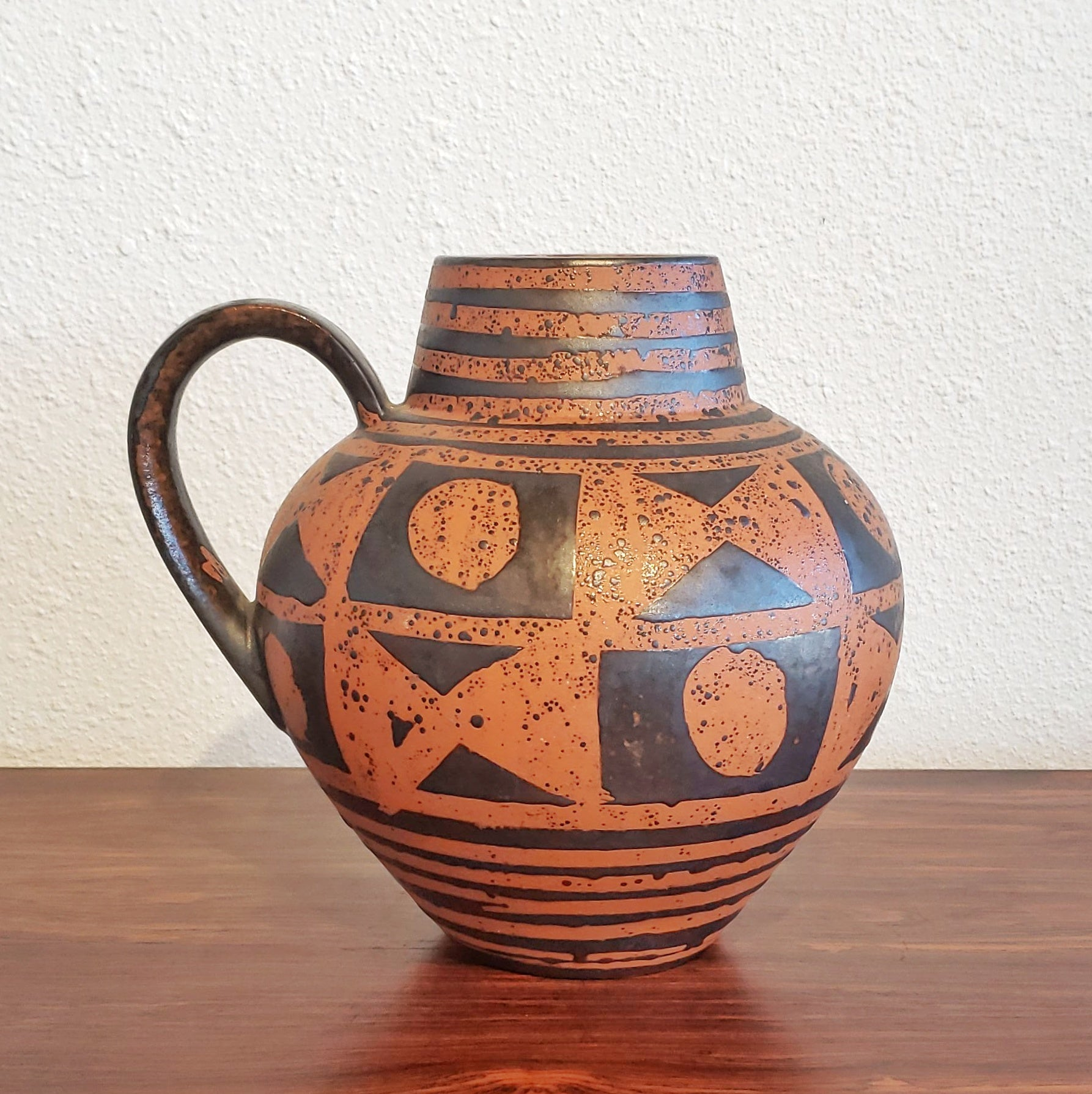 CARSTENS TÖNNIESHOF BLACK ON ORANGE 'ANKARA' JUG VASE 698/23
