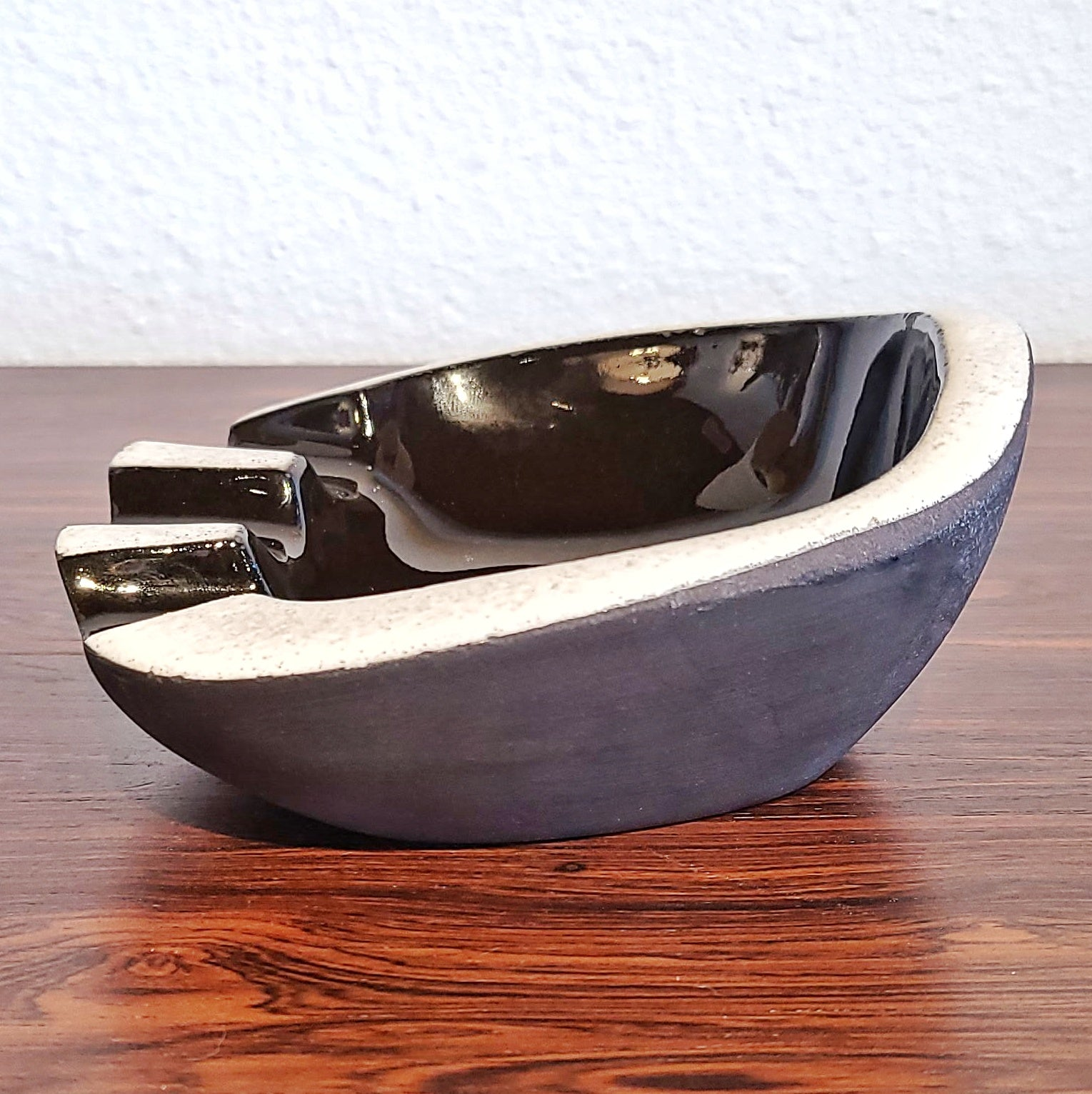 JAAP RAVELLI 'BLACK & WHITE' DECOR 'BEAR PAW' ASHTRAY/TRINKET DISH No. 250