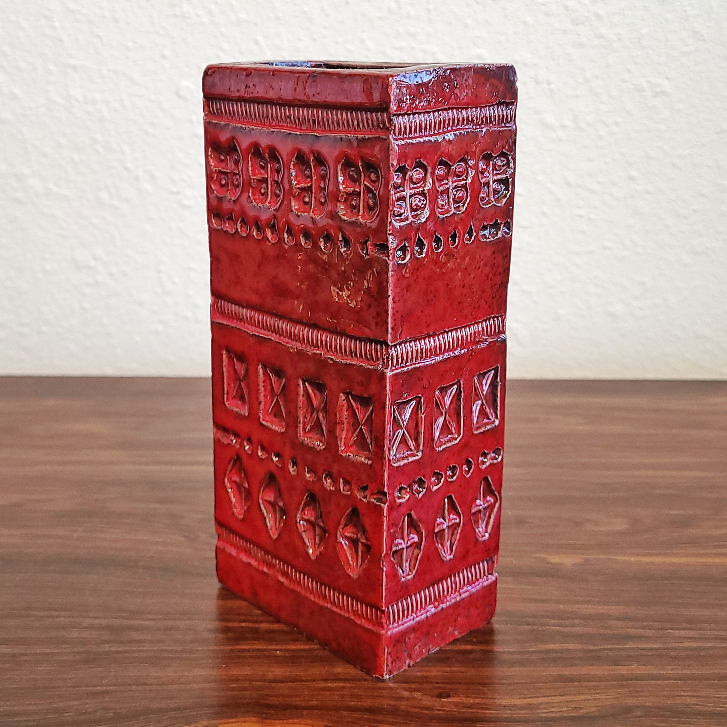 ALDO LONDI 'RIMINI RED' BLOCK VASE FOR BITOSSI (1960s)