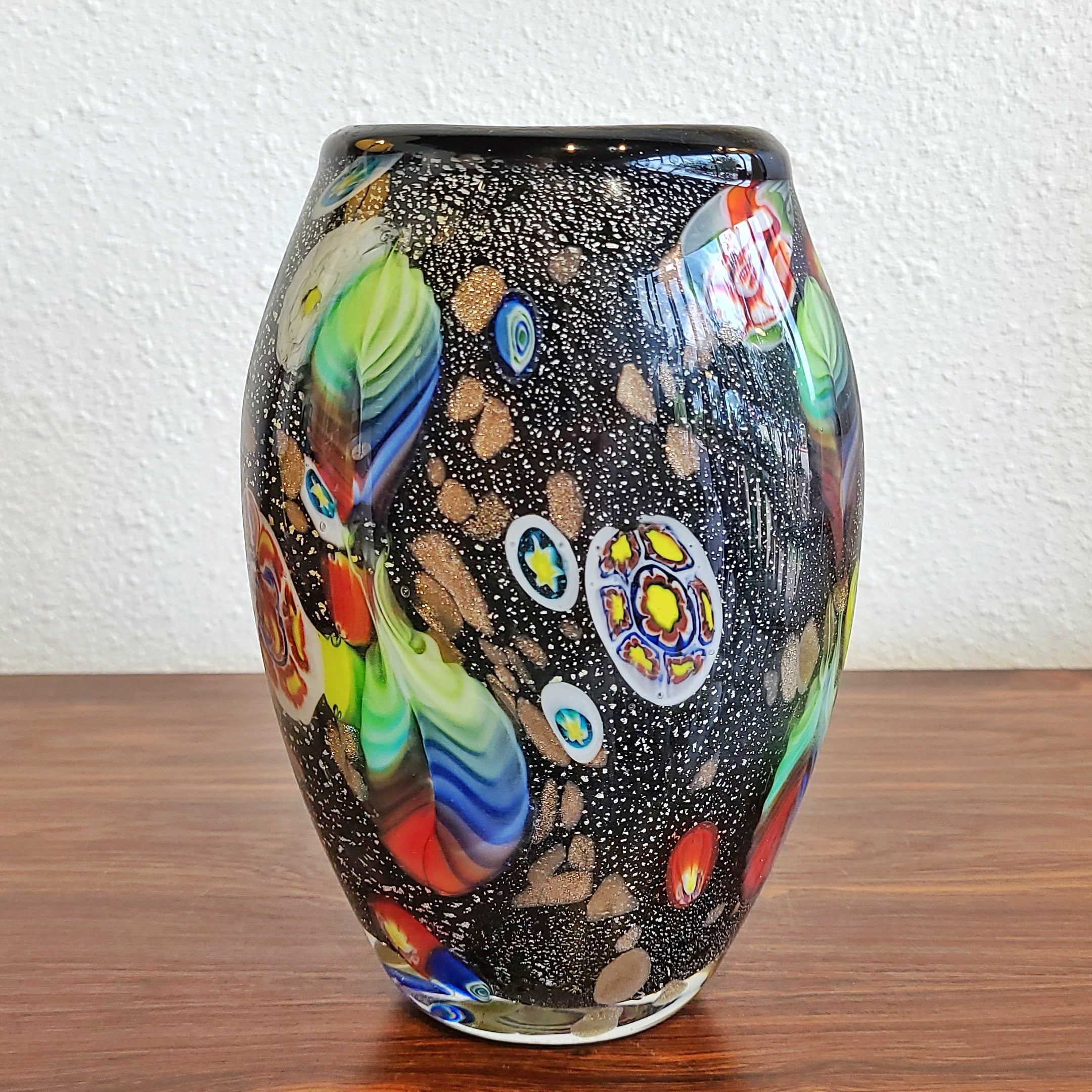 MURANO GLASS VASE WITH 'TUTTI FRUTTI' DECOR, 1950s ITALY