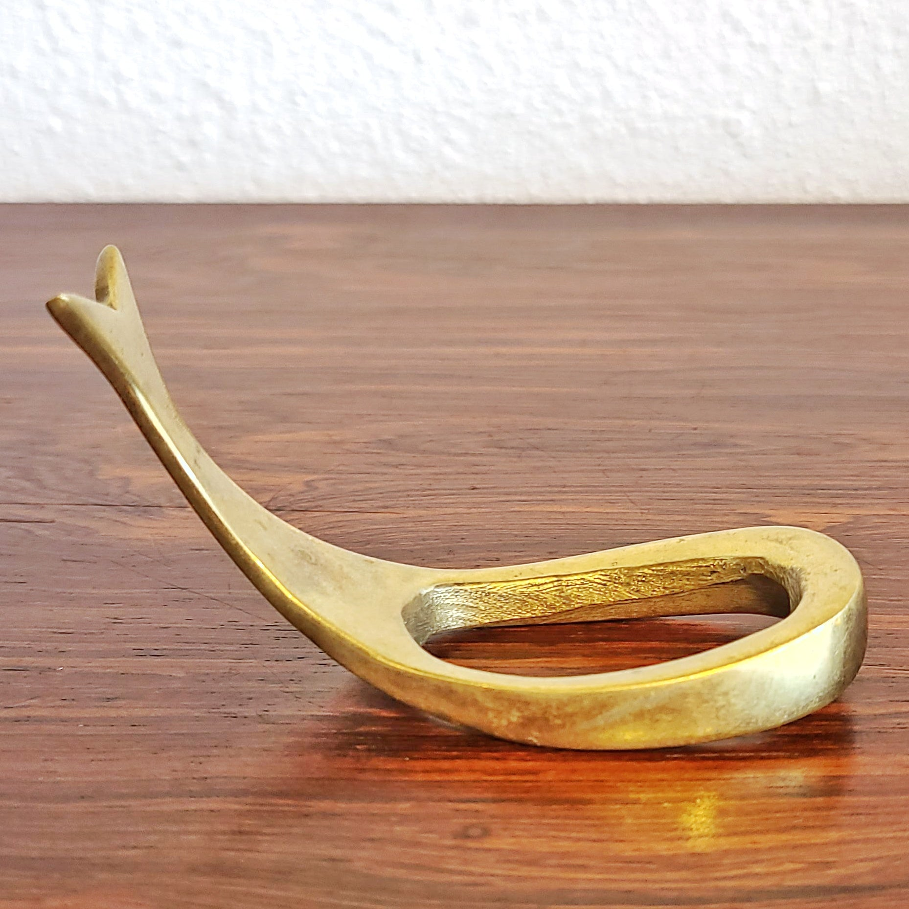 BRASS PIPE STAND IN THE STYLE OF CARL AUBOCK