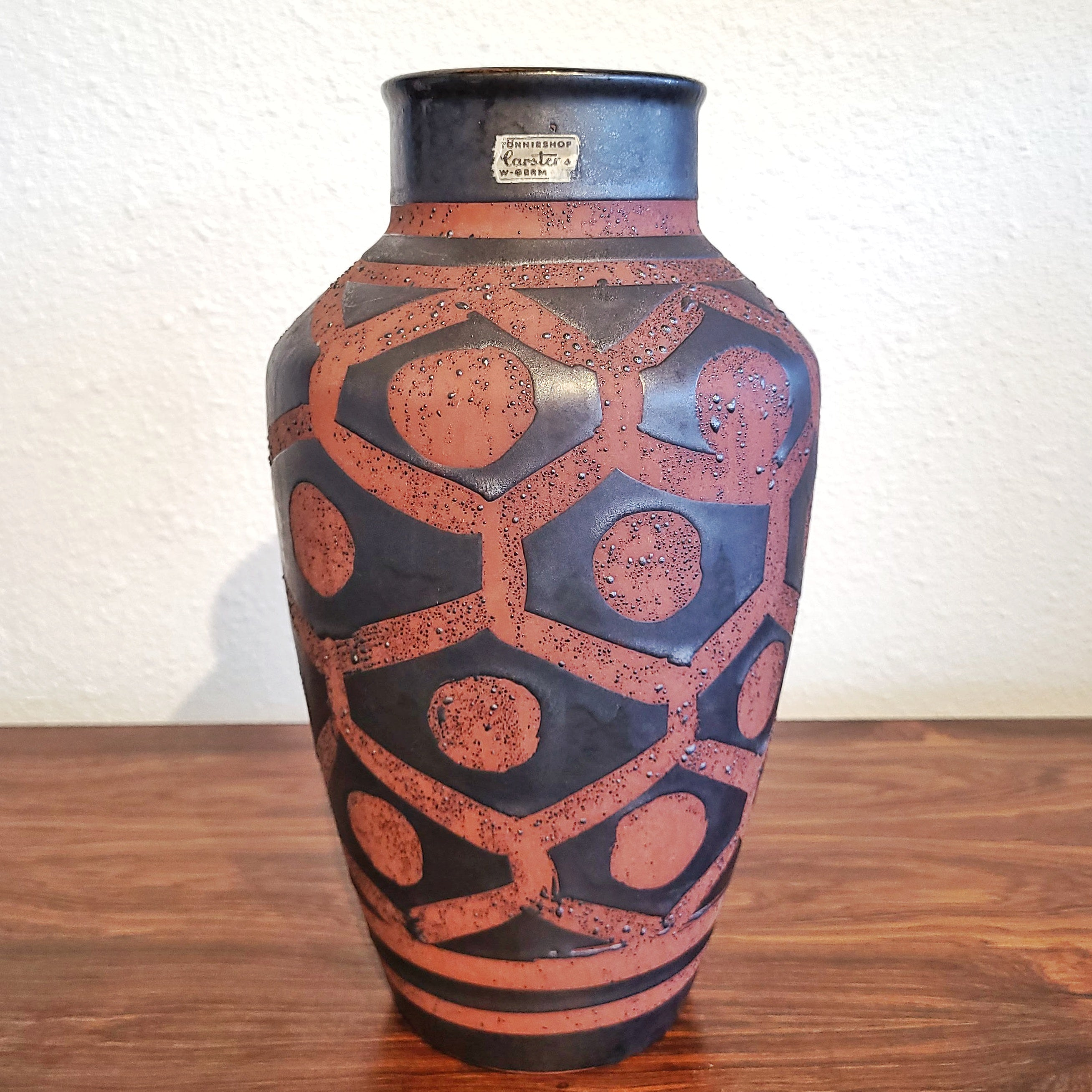 CARSTENS TÖNNIESHOF RUSTY ORANGE AND GUNMETAL 'ANKARA' VASE Nr. 1233/34