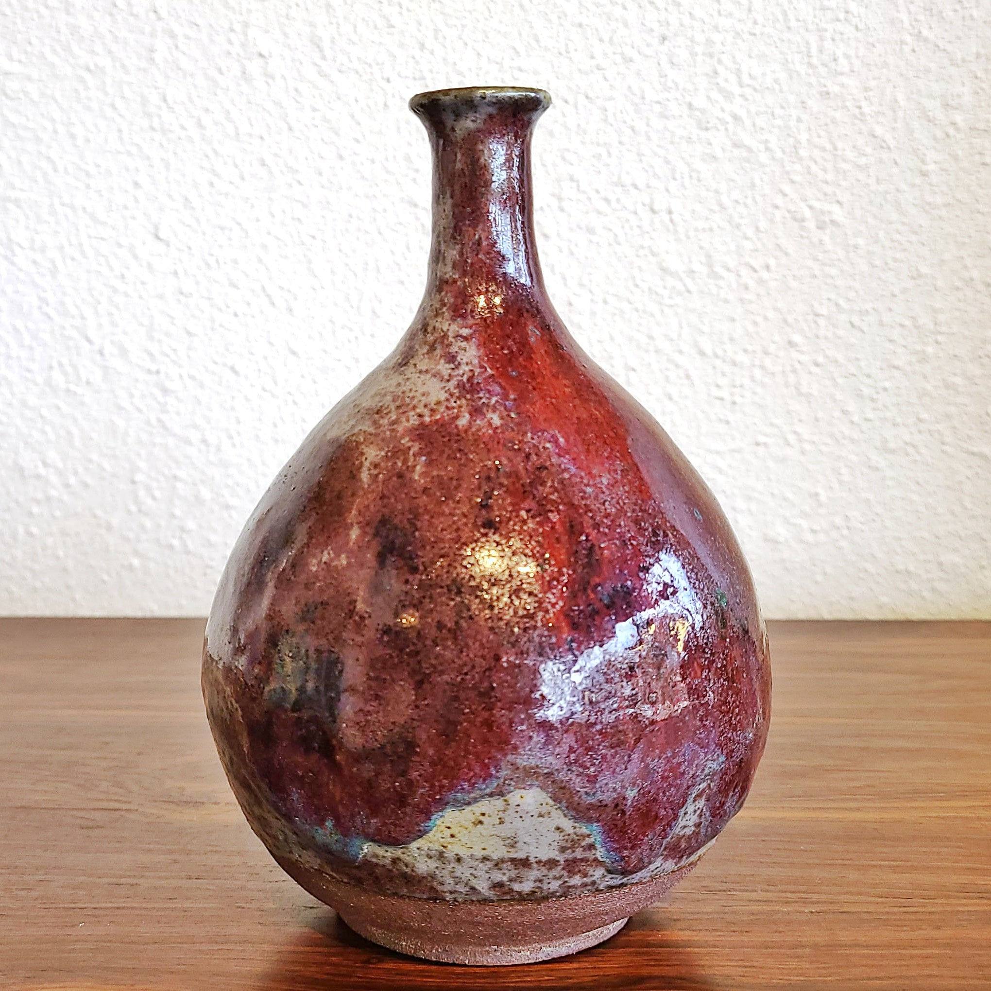 BULBOUS LONG NECK STUDIO BUD VASE (MARKED)