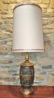 LARGE GEOMETRIC RELIEF PATTERN CERAMIC TABLE LAMP