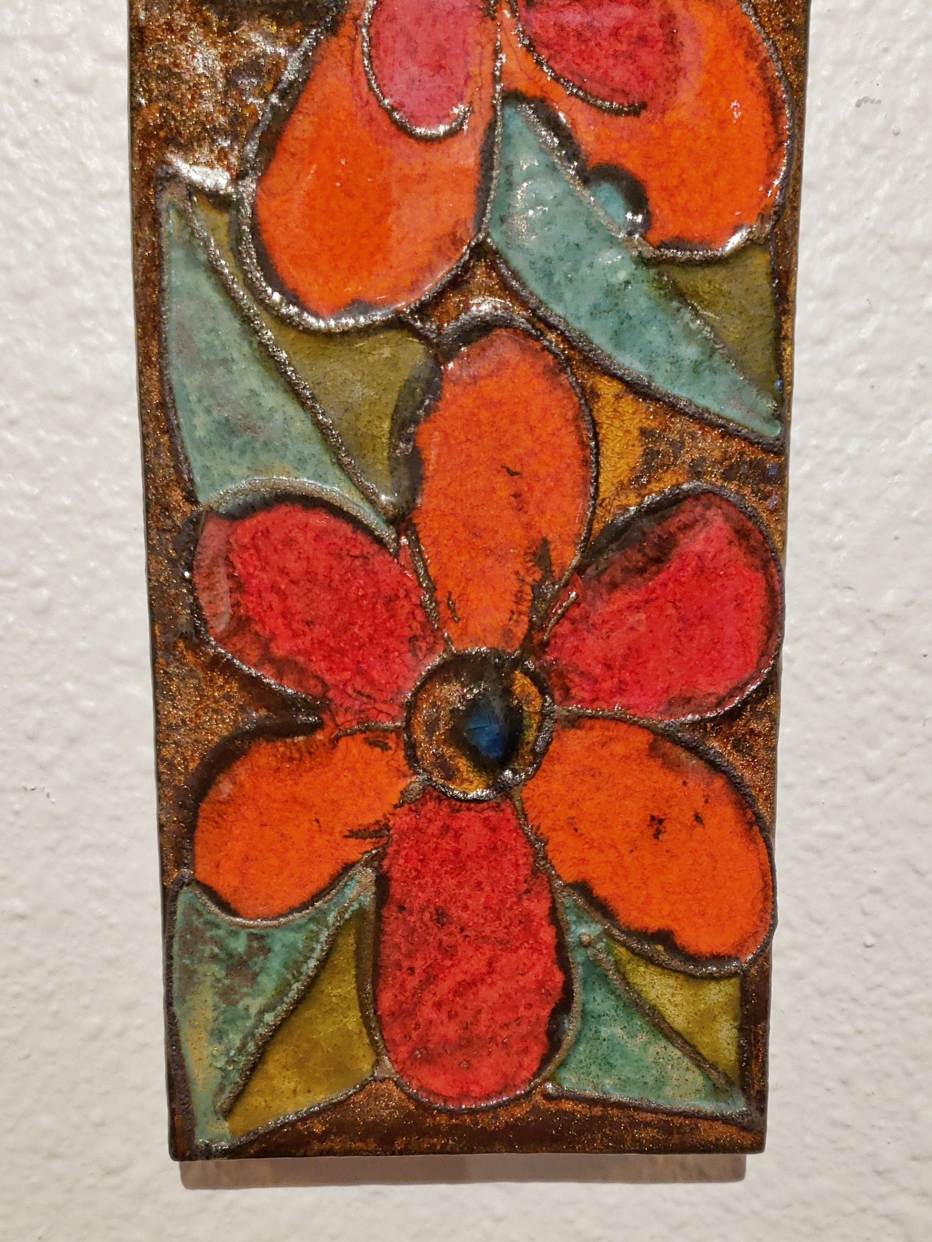 TALL RUSCHA WALL PLAQUE 773/2 WITH FLORAL DECOR (58 cm)