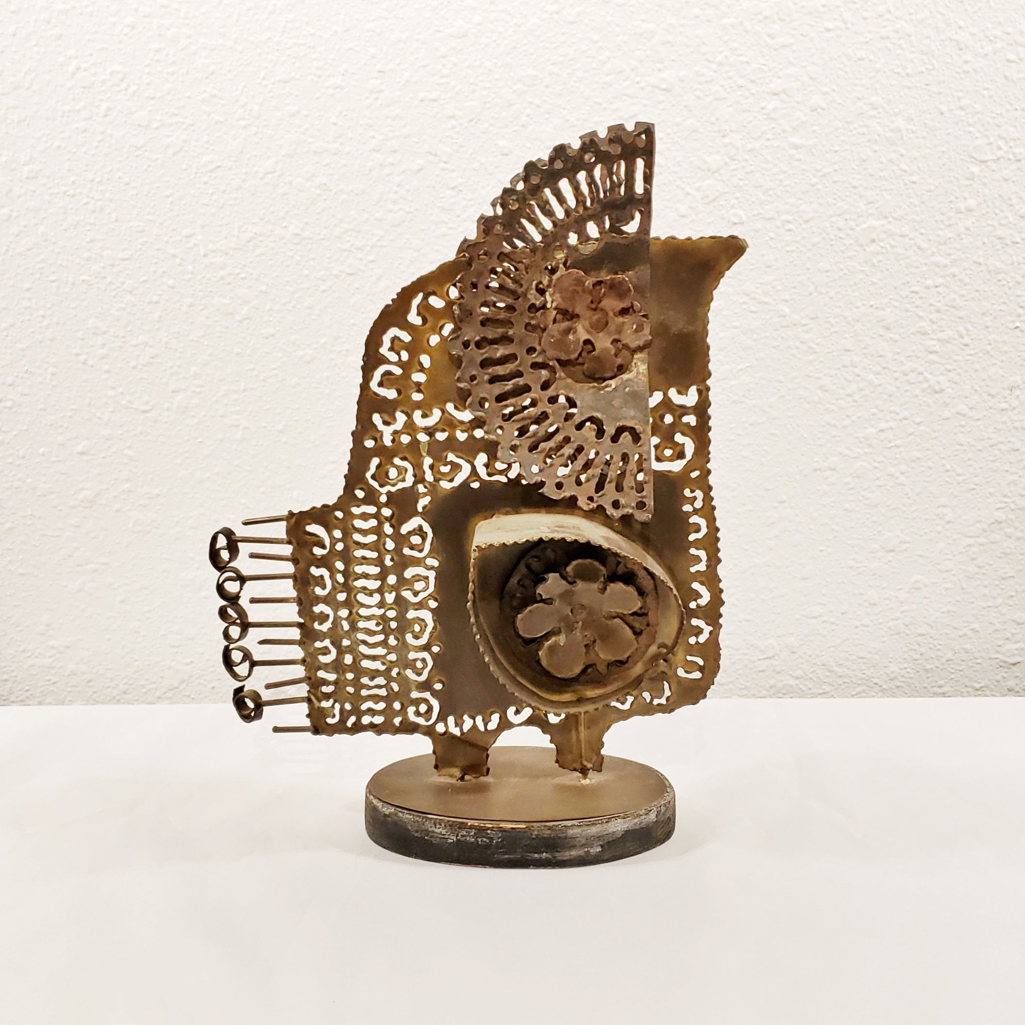 METAL OWL SCULPTURE IN THE STYLE OF FANTONI OR CURTIS JERE