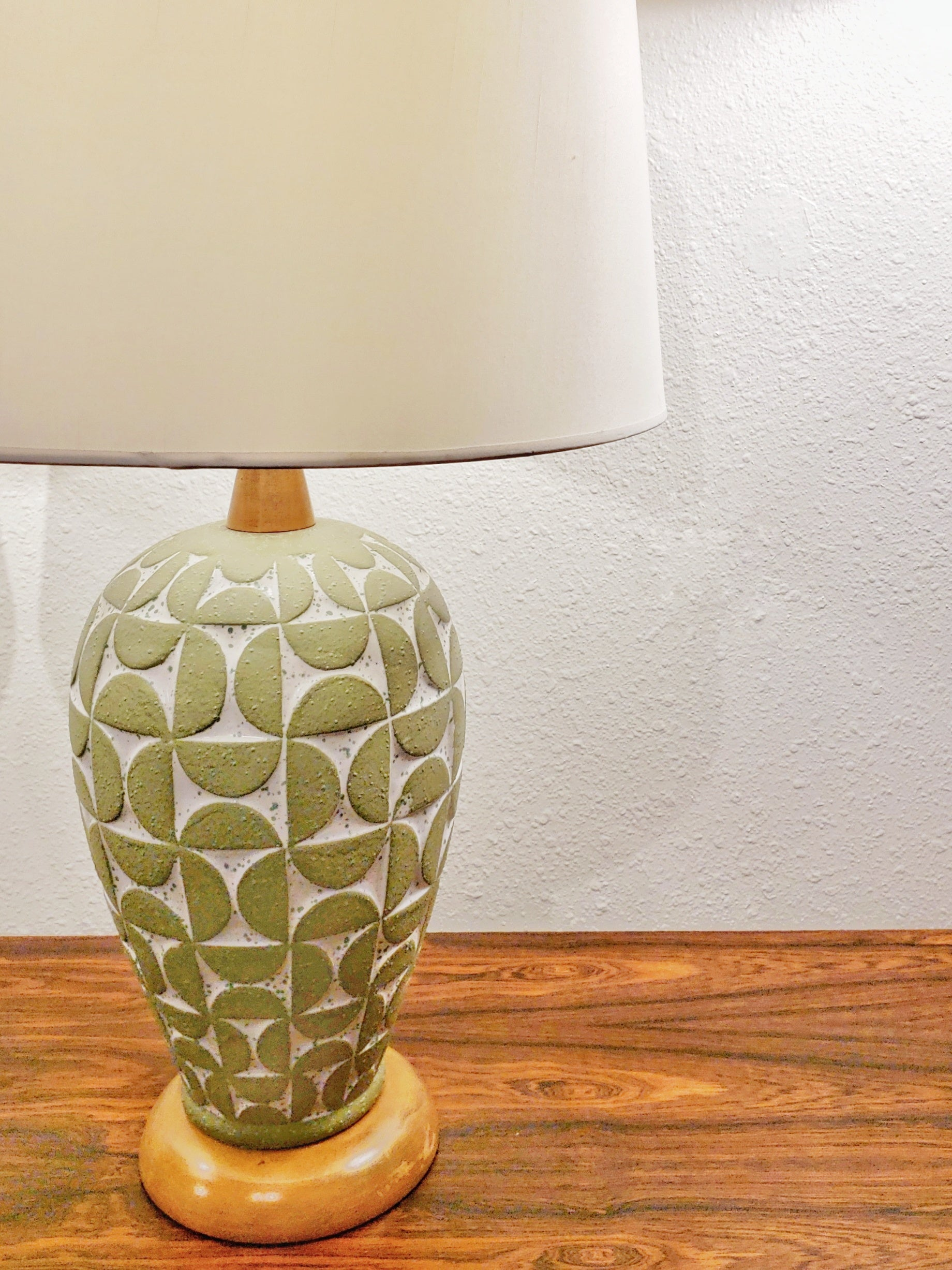 SCULPTED RELIEF TABLE LAMPS