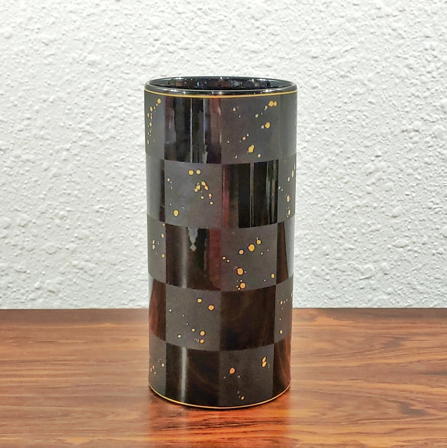 FROGEN YANG AND ELSA FISCHER-TREYDEN 'CARRÉ D'OR' PORCELAIN VASE FOR ROSENTHAL