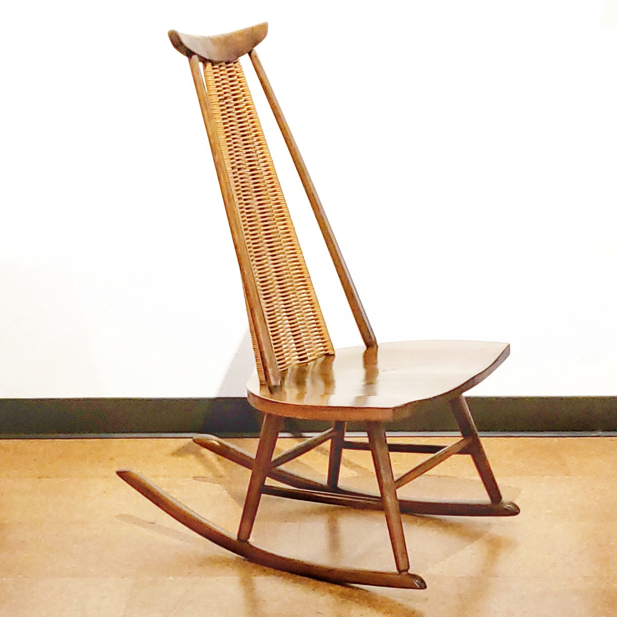 ARTHUR UMANOFF ROCKING CHAIR FOR WASHINGTON WOODCRAFT