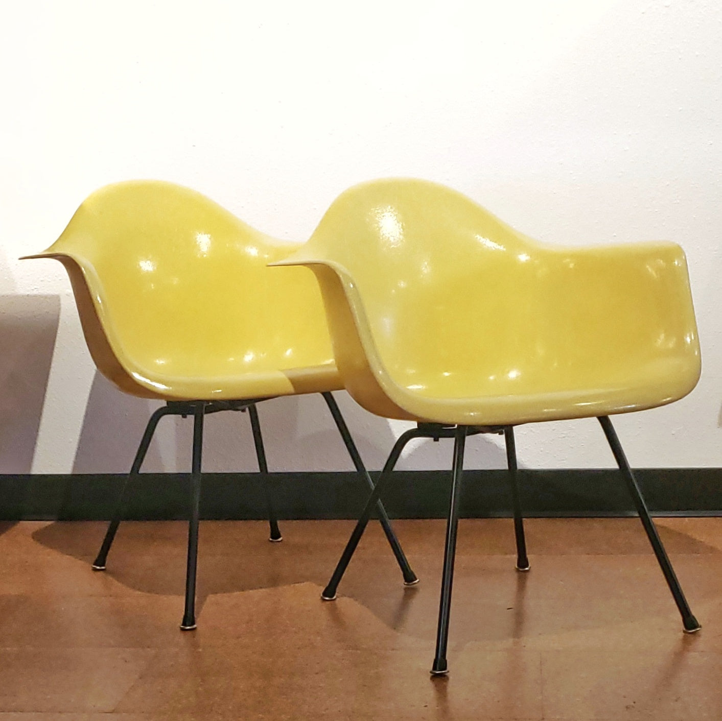 CHARLES & RAY EAMES 'LAX' ARMCHAIRS FOR HERMAN MILLER