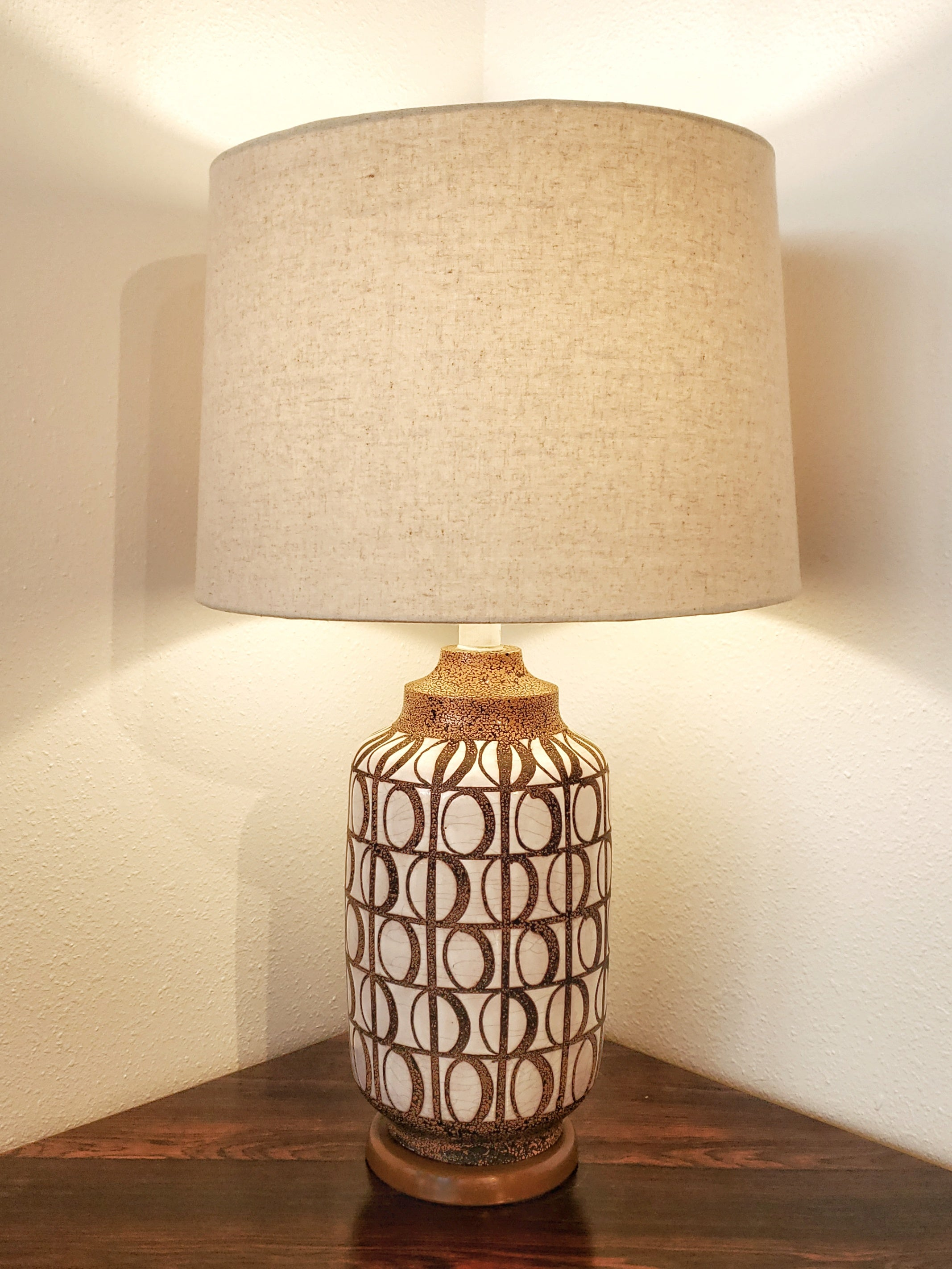 ITALIAN CERAMIC TABLE LAMP