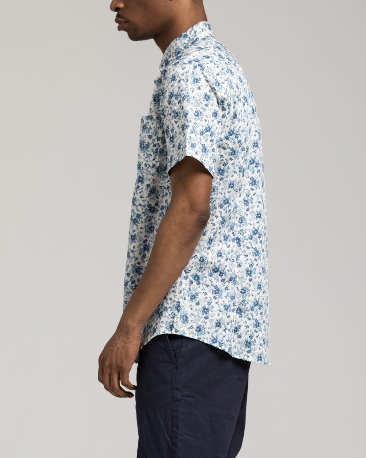 Short Sleeve Floral Shirt - Color: White/Navy | White