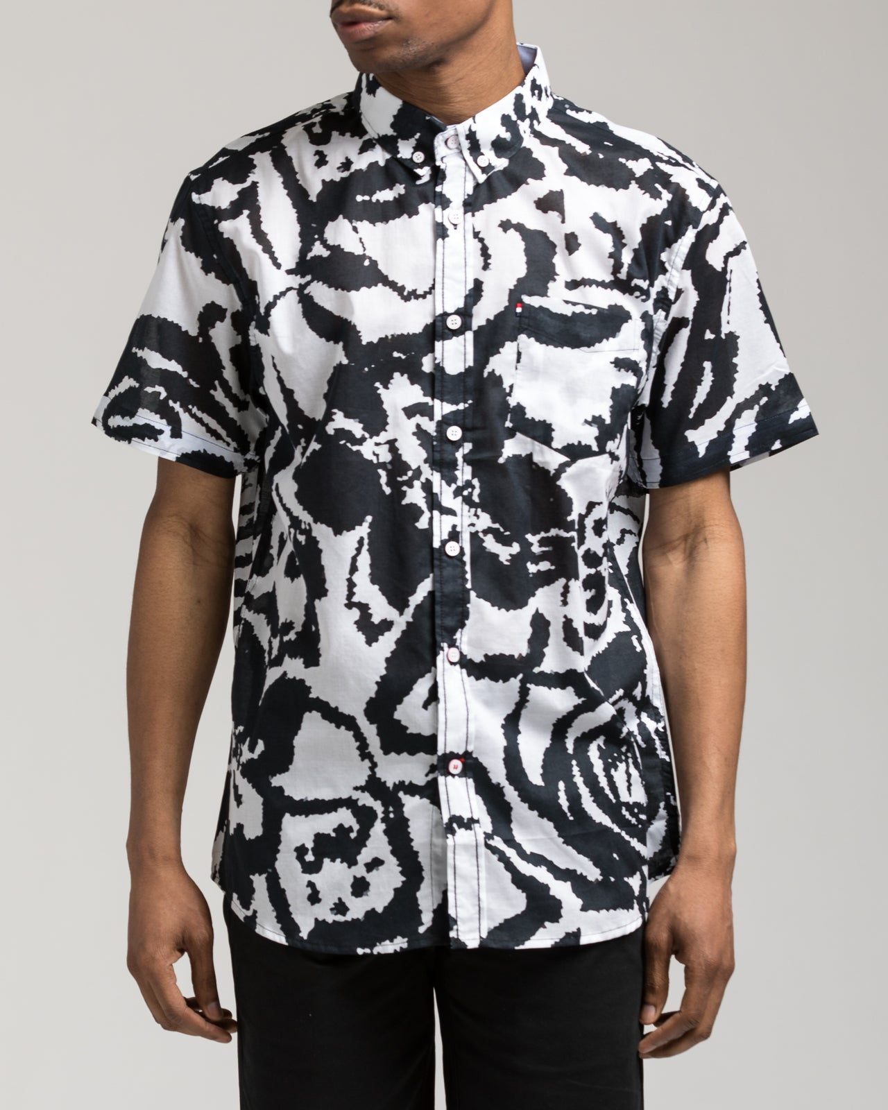 Short Sleeve Trippy Shirt - Color: White/Black | White