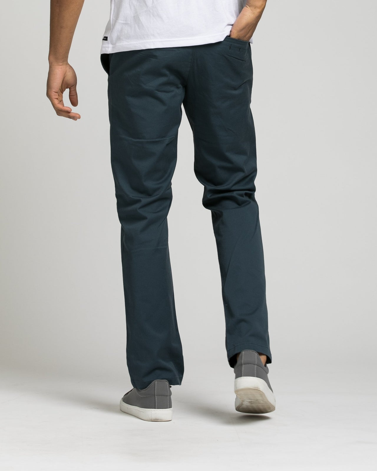 Week End Stretch Pant - Color: Midnight | Blue