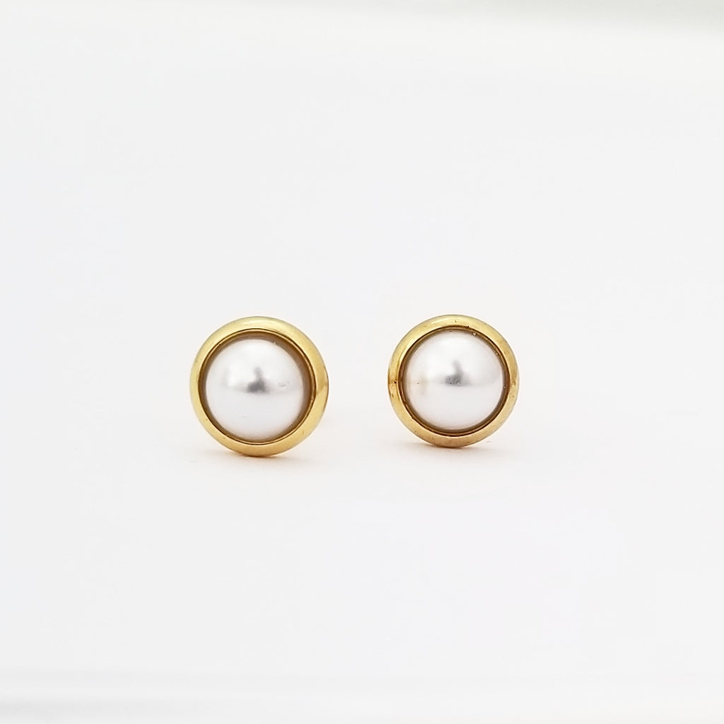 Pearl Earrings with Screwbacks