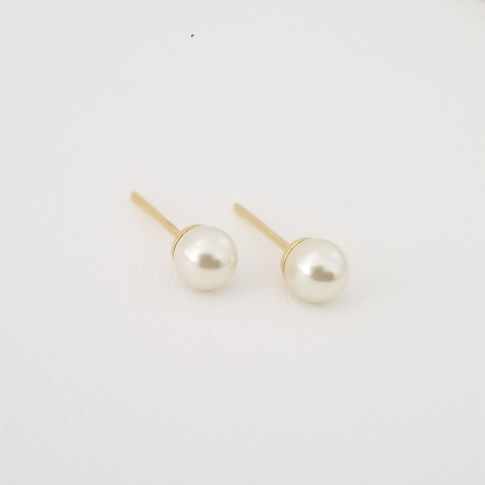 Pearl + Gold Earrings Mini-size