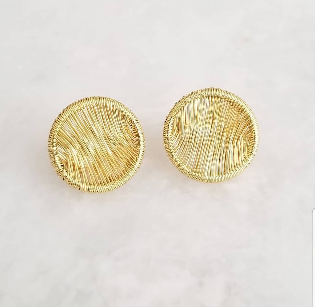 Gold Wire Round Earring