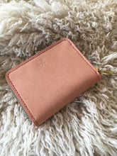Load image into Gallery viewer, Natural Handsewn Leather Zip Wallet