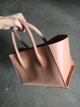 Load image into Gallery viewer, natural leather tote bag
