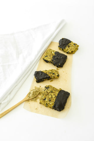 Healthy, lactation boosting chocolate dipped granola bars for moms - Majka