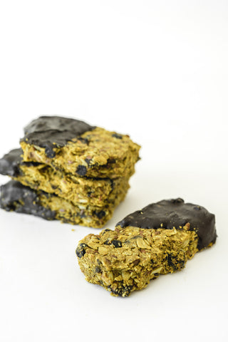 Chocolate dipped lactation boosting granola bar recipe - Majka