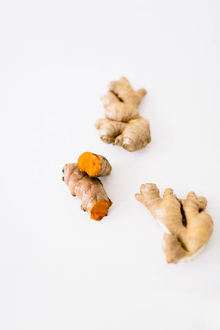 Why is Turmeric Good for Breastfeeding Moms? - Majka