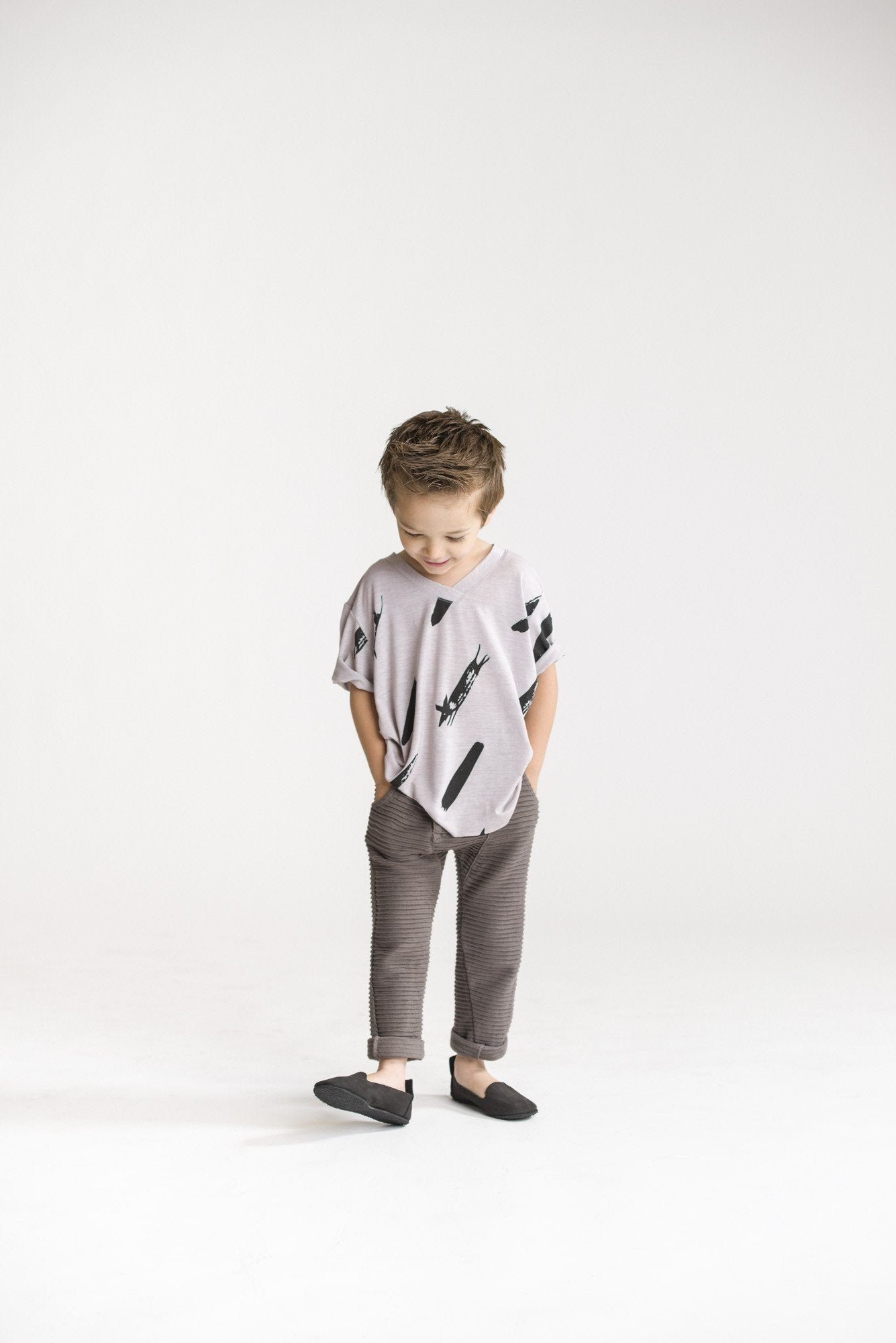 Load image into Gallery viewer, Kids V-Neck T-Shirt with Unfinished Pattern by Omamimini