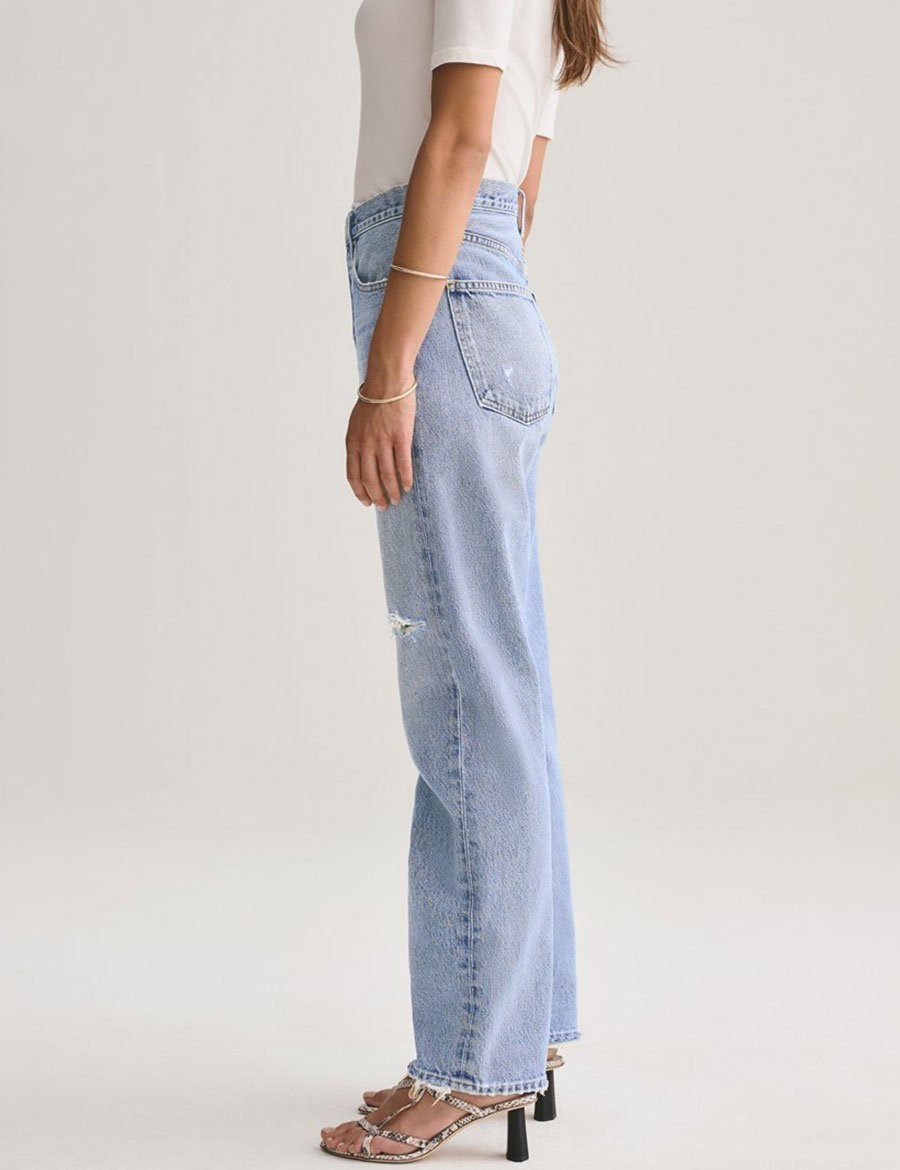 Load image into Gallery viewer, 90's Mid Rise Loose Fit Jeans - Captured