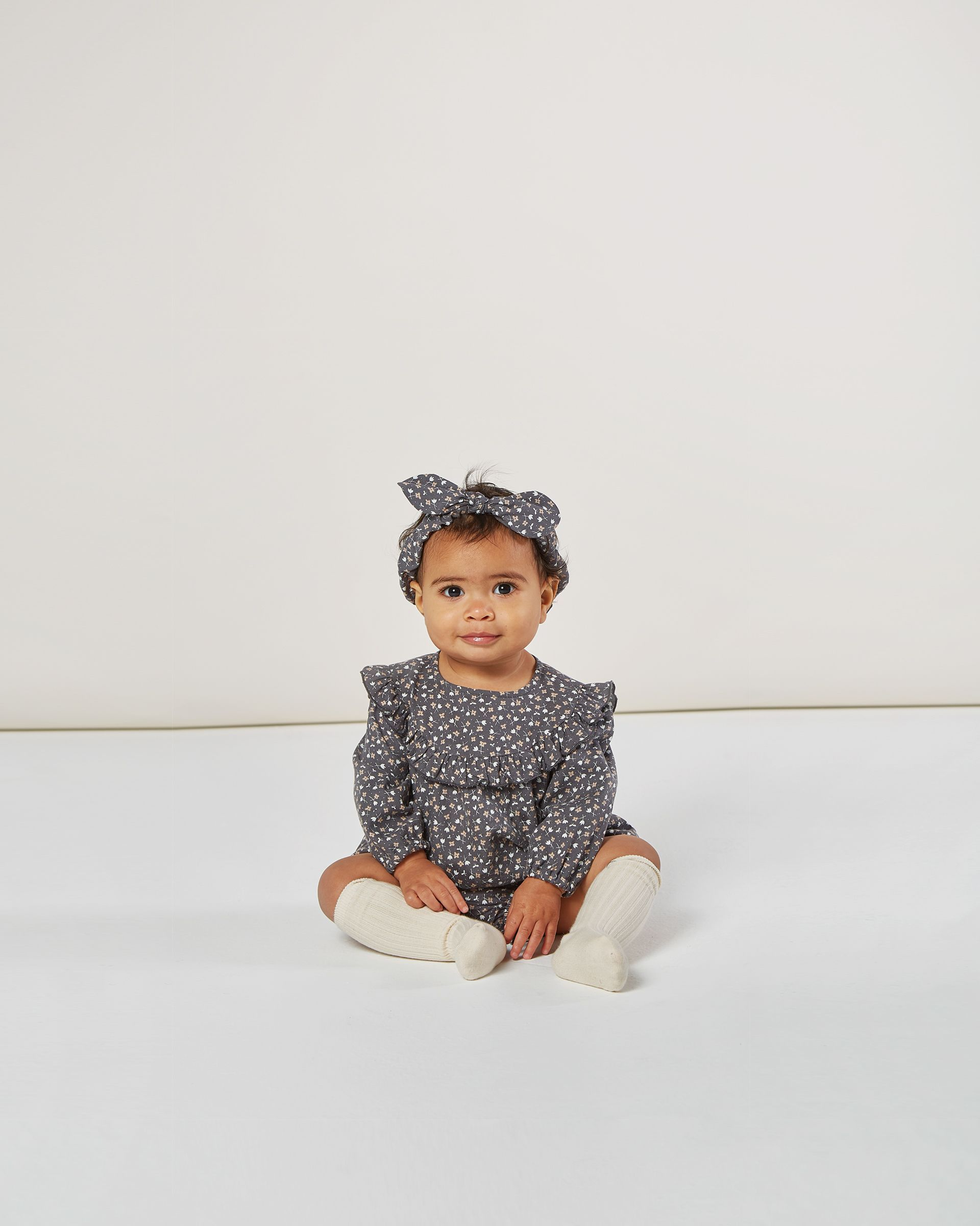 Load image into Gallery viewer, Baby Bow Headband - Washed Indigo