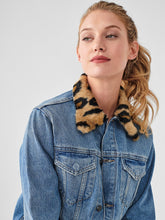 Load image into Gallery viewer, Clyde Classic Jean Jacket - Oslo